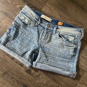 Pilcro embroidered jean shorts